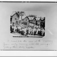 Striking_Fulton_Bag_and_Cotton_Mill_workers_at_the_union_commissary_to_collect_their_rations.jpg